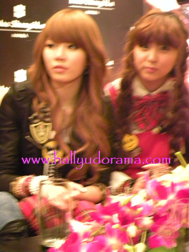 4Minute's Hyun A and So Hyun