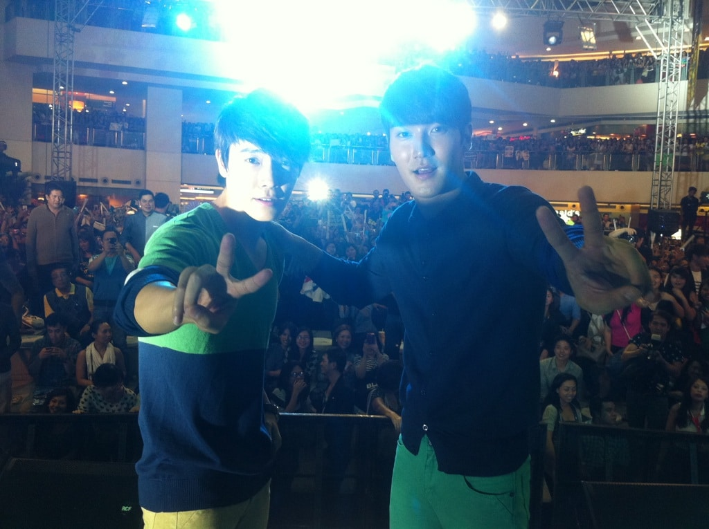 Super Junior's Siwon and Donghae in Manila